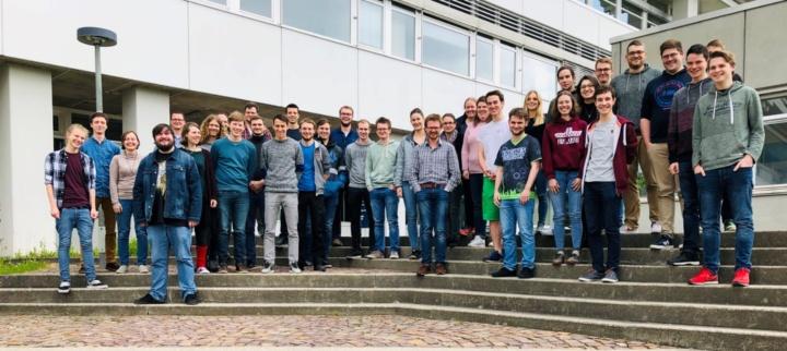 """Gruppenfoto der Abteilung """"Physik und ihre Didaktik"""""""