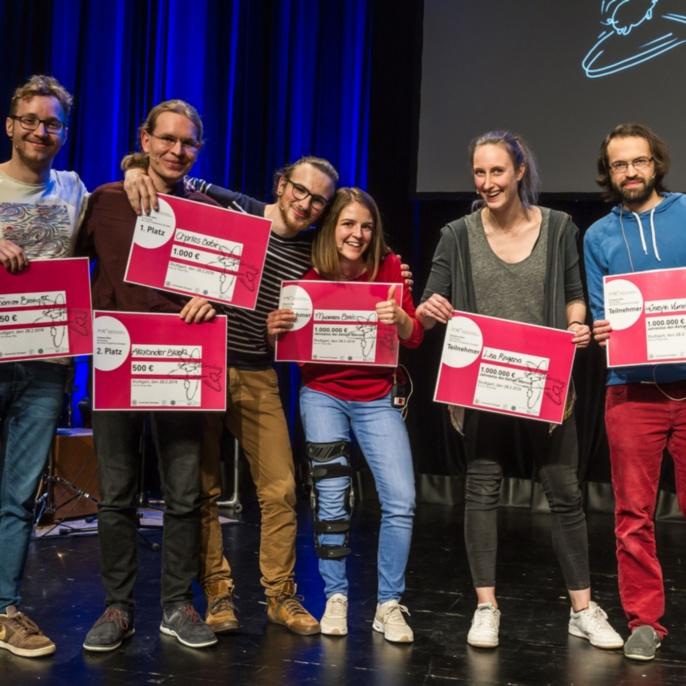 Die Sieger und Siegerinnen des Abends von links nach rechts: Thomas Bissinger (Platz 3), Alexander Blech (Platz 2), Charles Babin (Platz 1), Muamera Basic, Lisa Ringena und Hüseyin Vural.